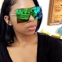 Alicia- Oversized Squared Mirrored Sunglasses