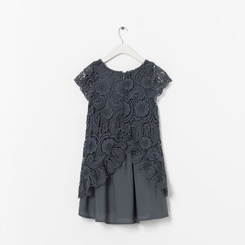 EMBROIDERED DRESS WITH CONTRASTING LINING