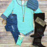 Cuffed Button Side Top: Mint