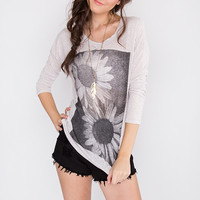 Catching Daisies Top - Taupe