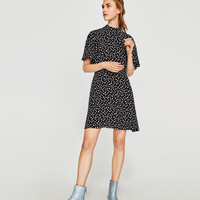 POLKA DOT DRESS DETAILS