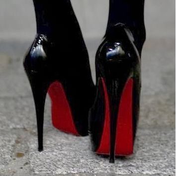 Round head fine heel waterproof platform shallow mouth fish mouth women's single shoes patent leather smooth black+red soles