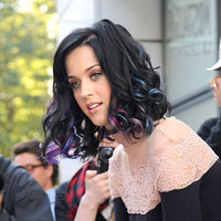 Oddly Appealing: Katy Perry's Pink, Purple and Blue Hair Streaks: Girls in the Beauty Department
