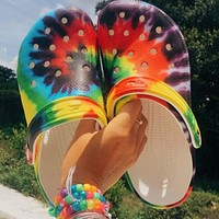 New style ladies slippers, thick-soled beach shoes, spray color, breathable hole shoes, large size