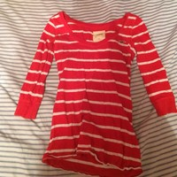 🎉3 for $15🎉 orange and white Hollister shirt