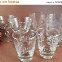 Glasses Set of 6 White and Gold Wheat Pattern Gilt Rimmed Drinkware by Libbey Vintage 1950's Glass Beverage Serving Barware FREE SHIPPING