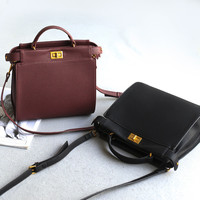 Big Size Strong Character One Shoulder Bags Simple Design Lock Tote Bag [4915807556]