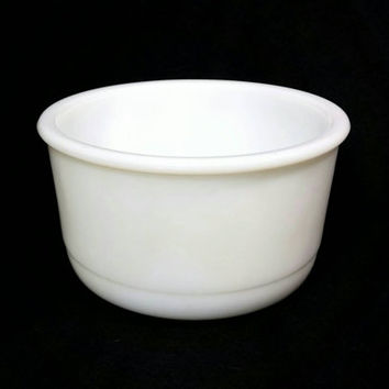 Vintage Milk Glass Mixing Bowl/Shabby Chic Kitchen Decor/Milk Glass Storage Bowl/Country Chic  Kitchen/Vintage Mixing Bowl