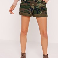 Missguided - Camo High Waisted Runner Shorts