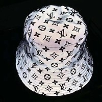 LV 2019 new female models personality wild 3M reflective fisherman hat black print logo