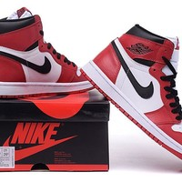 Air Jordan 1 Retro High OG Chicago Bulls Sneaker