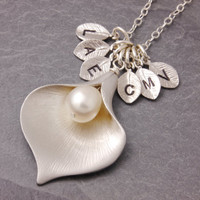 Family Necklace, grandma necklace, nana necklace, calla lily necklace, silver flower necklace, mom necklace, mother necklace, grandmother
