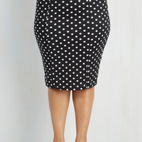 Rockabilly Pencil Style Essential Skirt in Dots