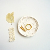 Mini ring dish. Bridesmaid gift. Small pottery. Paisley imprint Delicate gift fo her. Tiny Bowl.