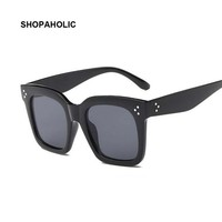 Flat Top Oversize Vintage Sunglasses Women Luxury Brand Designer Shield Shape Sun Glasses for Women Female UV400 Rivet Sunglases