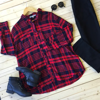 A Plaid Boyfriend Long Sleeve Button Up Tee