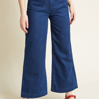 Posh Pocketing Wide-Leg Jeans
