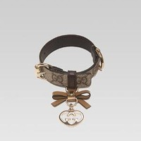 Gucci - adjustable collar with bow and heart-shaped interlocking G charm. 247245FP4IG9774