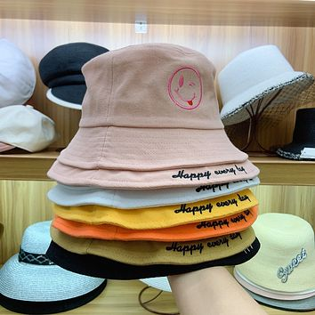 Unisex Cute Smiley Letter Embroidery Fisherman Hat Bucket Hat Couple Casual Sun Cap