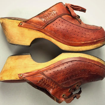 Vintage 70's LEATHER Lace Wood Platform Mule Clog Sandals Shoes Boho Free People Hippie FanFares 7-7.5 Slip on Rust Brown Boot Chunky