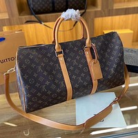 LV Louis Vuitton  Fashionable and large capacity travel bag for short trips, one-shoulder cross-body luggage bag and handbag