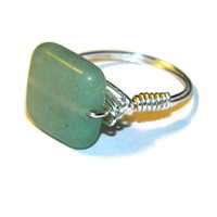Green aventurine stone silver wire wrapped ring / wrapped in silver plated wire / US Size 7