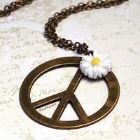 Hippie Chic Necklace. Peace Sign Necklace. Daisy. Peace and Love.