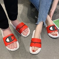 Champion fashion brand men and women fashion wear flat sandals red