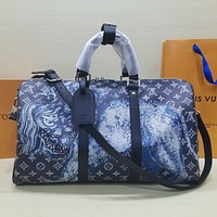 lv louis vuitton shoulder bag lightwight backpack womens mens bag travel bags suitcase getaway travel luggage 44