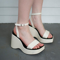 Retro Spacey White Platform Heels - 7