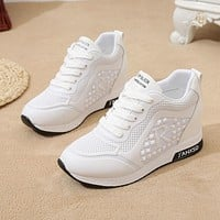 2020Ladies Shoes White Platform Sneakers Wedges Women Casual Shoes Height Increasing Women Shoes Hidden Walking Footwear Black