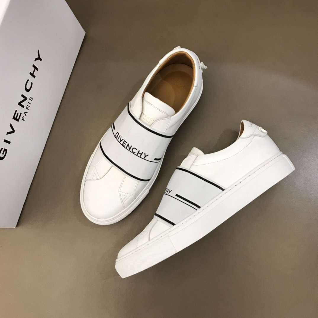 Image of Givenchy Men's 2021 NEW ARRIVALS Urban Street Sneakers Shoes