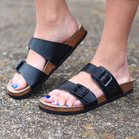 Madden Girl: Brando Slide On Sandals {Black}