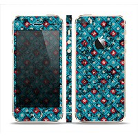 The Worn Dark Blue Checkered Starry Pattern Skin Set for the Apple iPhone 5s