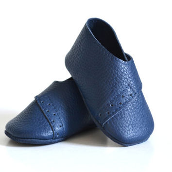 Soft sole leather baby shoes / Navy