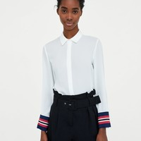 SHIRT WITH CONTRASTING CUFFS DETAILS