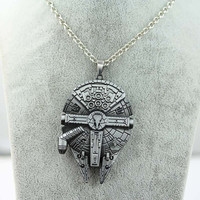 Necklace in the form of a starship|Brother gift|Movie|Boyfriend gift|Gift for him.