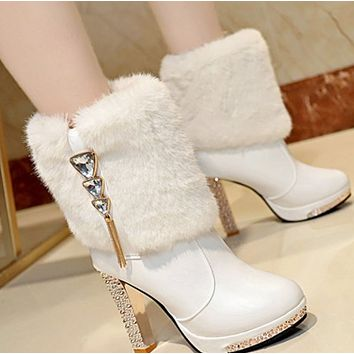 The new waterproof platform high heel water drill decorates comfortable female boots