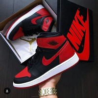 Nike Air Jordan Retro 1 High Tops Black Red Contrast Sports Shoes Sneakers