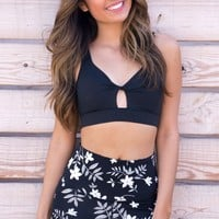 Black TWISTED FRONT AND CUTOUT SPORTS BRA