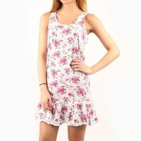 Hello Kitty Nightgown: Petals