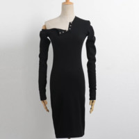 FREE SHIPPING Autumn outfit is new the dress with one shoulder design feeling long sleeve bag buttock