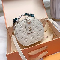 Hipgirls Louis Vuitton New Women's Embossed Letter Round Cake Bag Diagonal Bag