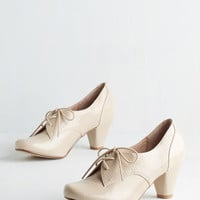 Menswear Inspired Swing Along Heel in Cream