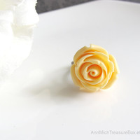 Soft Yellow butterscotch Rose. Spring Summer Jewelry. Shabby Chic Flower Cocktail ring. Simple Nature Inspired Floral Ring