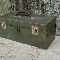 Vintage Pioneer Steel Company Tool Box Army Green Storage Chest