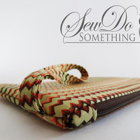 Electric Chevron Wristlet from Sew Do Something