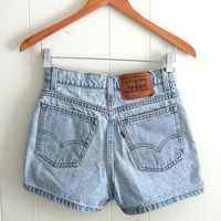 Vintage 912 Levi's Light Wash High Waisted Denim Shorts Blue Mom Jean USA 26""