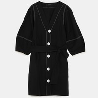 BUTTONED DRESS WITH CONTRASTING TOPSTITCHINGDETAILS