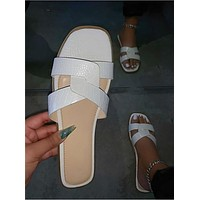 2020 new women's fashion flat sandals slippers shoes